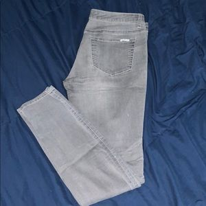 Charlotte Russe Gray Jeggings (SIZE 6)